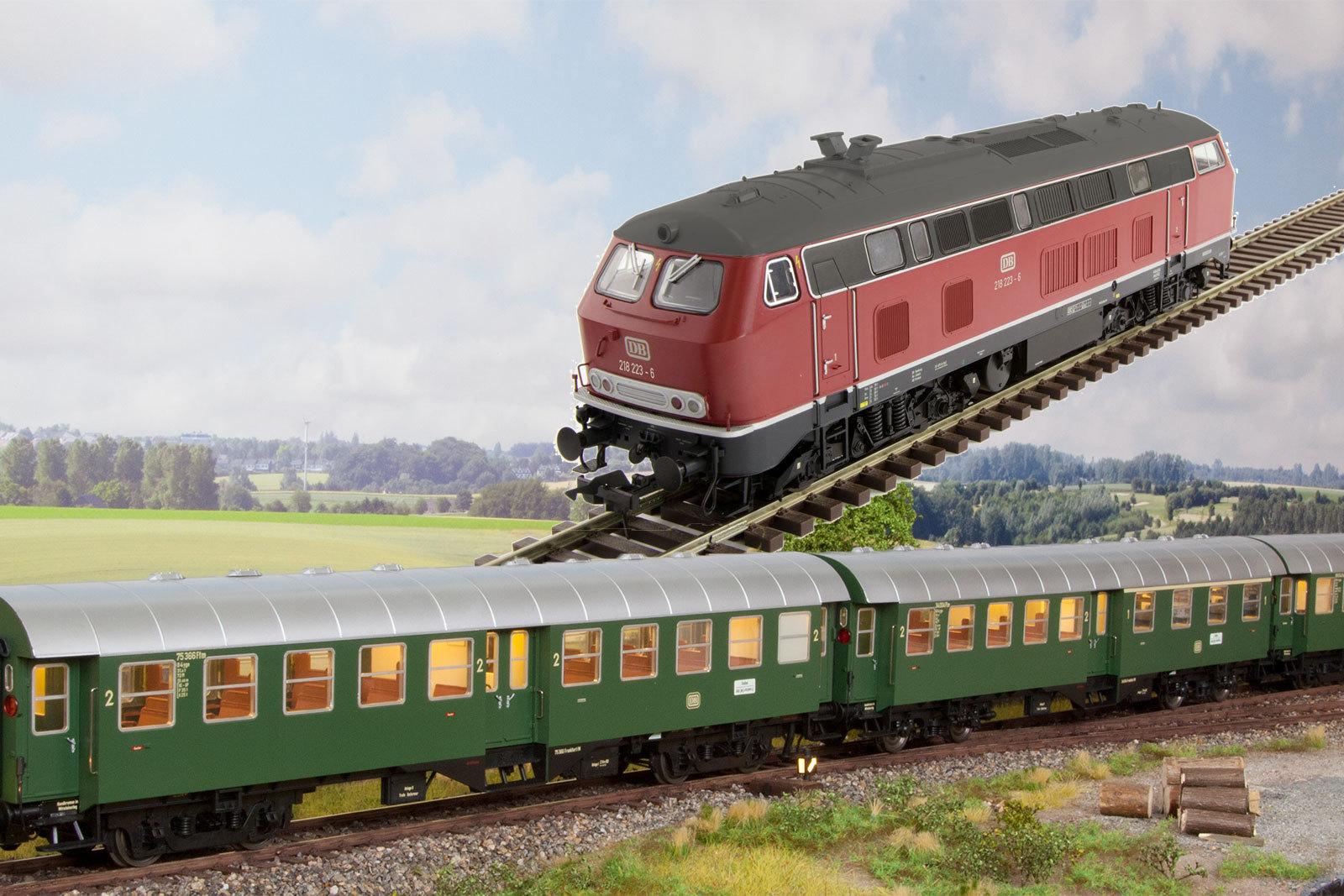 Lenz Spur 0 - Zugset Epoche IV - BR218 mit drei Umbauwagen